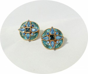 Vintage Yves Saint Laurent designer clip earrings clip oorbellen gold tone plated blue stones Costume Jewelry YSL 80er jaren eighties e.JPG