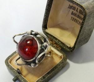 ORNO Polen Poland Warsaw Warschau vintage modernist top desinger big grote ring silver zilveren met barnsteen amber 5.JPG