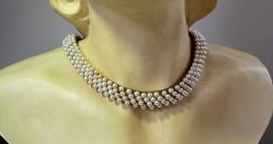 Immitation pearl choker necklace vintage immitatie parel collier ketting gold tone metal goudkleurig metaal costume jewelry 1950s 50er jaren designer 1.JPG