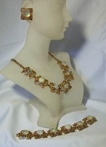 Vintage parure necklace set collier ketting armband clip oorbellen necklace earings bracelet costume jewelry american designer historical 4.JPG