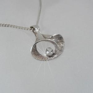 Valo Koru Finland Finse 925 silver zilveren hanger met ketting pendant necklace rock crystal bergkristal vintage modernist  Scandinavian designer 4.JPG