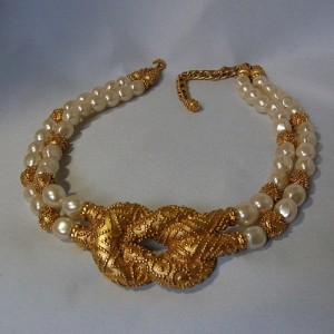 Franklin Mint Mary McFadden 1988 Etruscan Baroque Pearl vintage designer necklace chic chique elegant collier ketting Etruskisch Barok 1a.JPG