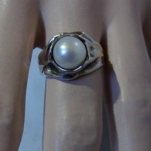 Hagit Gorali Israel robust sterling silver modernist ring pearl  robuuste 925 zilveren ring met parel vintage designer 1.JPG