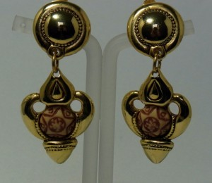 Vintage costume goldtone clip earrings a.JPG