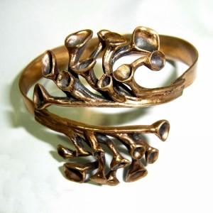 Hannu Ikonen vintage modernist Finland Finnish Finse Reindeer moss Rendiermos designer Scandinavian bracelet spang armband Sarpaneva 6.JPG