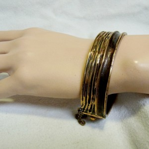 Harrie Harry Lenferink Dutch design Nederlands artist kunstenaar bronze bronzen bracelet armband spang hinged safety chain veiligheidsketting  modernist organic designer 3.JPG