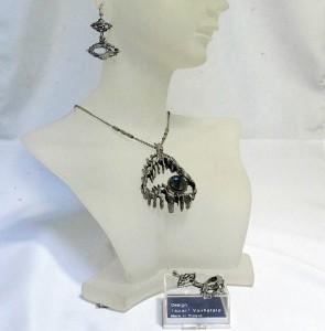 Tapani Vanhatalo Finland pendant necklace earings hanger oorbellen originele doos original box modernist pewter vintage 1.JPG