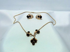 VIntage van Dell demi parure necklace earrings gold filled original box costume k.JPG