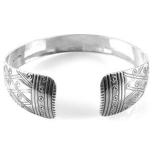 Kalevala Koru Oy Finland vintage modernist folkloric folklorische traditional 925 sterling silver  zilveren Voyri armband cuff bracelet designer 1.jpg