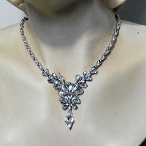 ORA Vintage Art Deco Costume crystal rhodium platerd hanger rhinestone necklace collier ketting 4.JPG