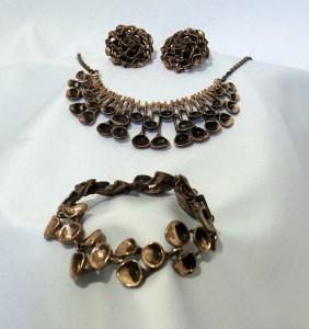Hannu Ikonen finland bracelet necklace earrings parure armband collier oorbellen vintage modernist bronze brons bekertjes mos reindeer 1.JPG