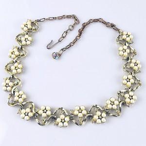 Vintage gold tone goudkleurig 60er jaren costume necklace designer collier imitatie pareltjes  strass immitation pearls 1960s 5.jpg