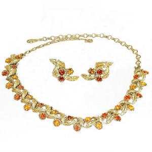 Coro America Amerika gold plated goudkleurige earrigs necklace set oorbellen collier ketting herfstkleurige strass autum color  50er  60er jaren. 1960s 1950s designer costume 2.JPG