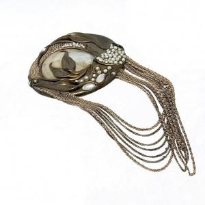 Marena W. Germany Handarbeit vintage Art Deco designer pendant necklace hanger broche brooch 1980s 80 er jaren 70er 1970s mother of pearl 5.JPG