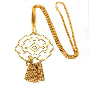 Avon Necklace brooch collier ketting broche goldtone white enamel goudkleurig metaal met wit emaille vintage designer costume 2a.JPG