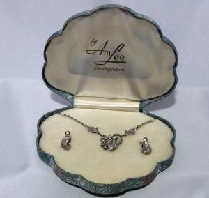 Sterling silver zilver Vintage designer Am Lee necklace set schroefoorbellen collier ketting screw back earrings costume original box originele doos a.JPG