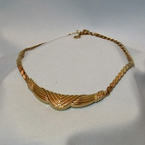 Christian Dior vintage designer necklace  collier ketting god tone goudkleurig costume c.JPG