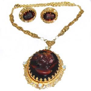 Vintage West Germany cameo costume necklace set 1950s 50er jaren old antique antieke gold plated designer West Duitsland collier ketting oorbellen 3.JPG