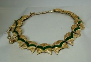 Coro vintage costume jewelry gold tone goudkleurig modernist adjustable verstelbaar collier ketting necklace with green enamel met groen emaille a.JPG