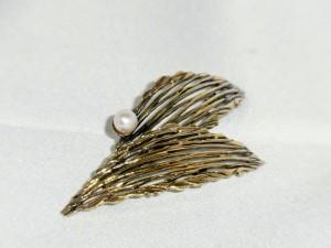 K_en_L Kordes _en_ Lichtenfels Pforzheim vermeil 835 gold over silver real pearl brooch goud over zilveren broche met echte parel sixties 60er jaren vintage costume d.JPG