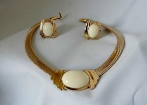 Trifari Vintage Costume jewelry necklace set collier ketting clip oorbellen earrings gold tone metal goudkleurig metalen 1.JPG