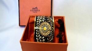 Hermes Paris vintage designer bracelet armband in originele doos in original box black with flowers zwart met bloem motieven costume jewelry 1.JPG