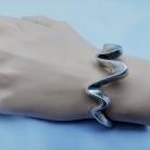 Robuuste 925 (=sterling) vintage modernist zilveren spang armband.