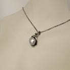 Prachtige Perli Duitsland 835 zilveren hanger inclusief ketting met een echte licht grijze parel, 60er jaren.